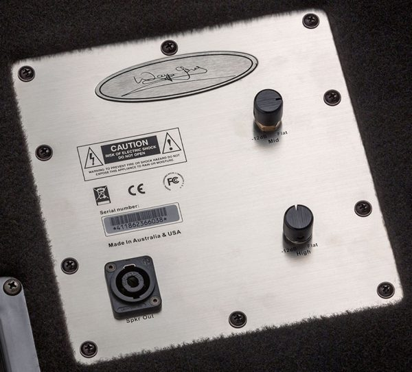 Control plate for Wayne Jones Audio - single 1x10 4 ohm Passive Bass Cabinet. Handles 500 Watts. Has the same driver & tweeter as the 2x10 except they are 4 ohm drivers. Bass cabinet for bass guitar players, upright bass & double bass players.