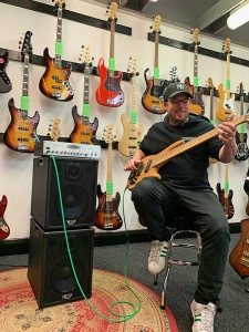 Drew Dedman, from Bass Workshop in Melbourne Australia, demonstrating WJ 1×10 bass guitar passive cabinets with the WJBA2 1000 Watt Bass Guitar Amplifier